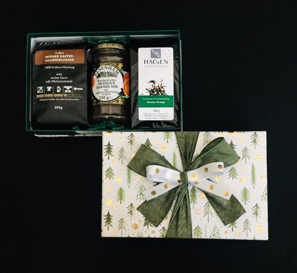 Kaffee-Teepaket Tanne grün-gold M mit Schleife