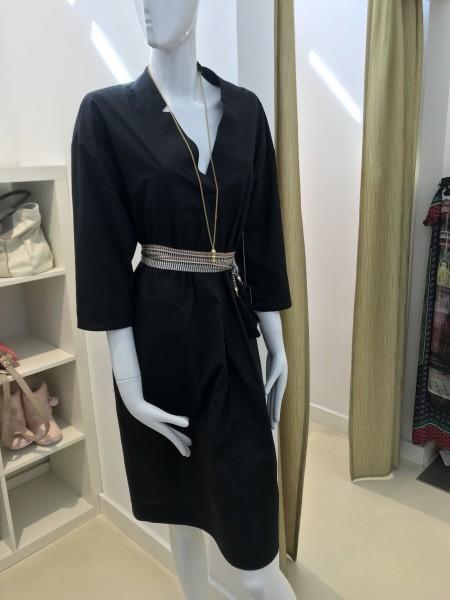 Schwarzes Kleid mit V-Ausschnitt von RoFa