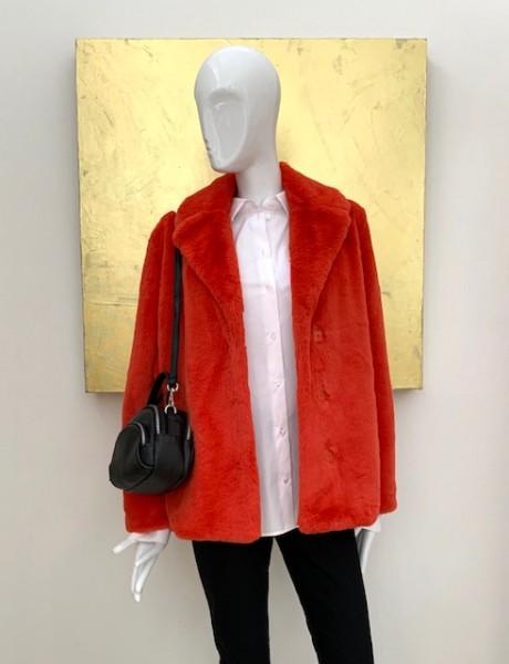 Kurzer kuscheliger Mantel (orange-rot)